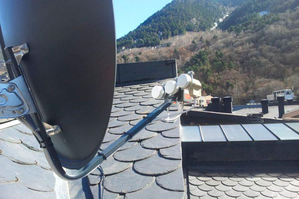 Parabòlica per a 3 satèl.lits